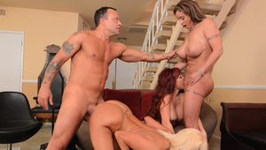 Threesome in the company of big tits mature Eva Notty