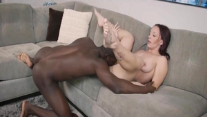 Homemade cumshot along with young MILF