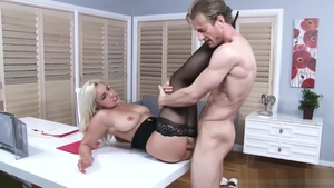 Big butt american Kylie Page in high heels