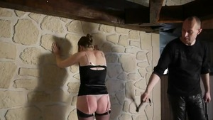 French amateur gets a buzz out of BDSM
