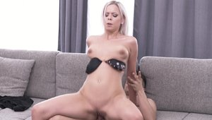 Very sexy mature Brad Knight feels like raw sex in park