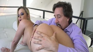 Blowjobs on the couch starring big butt pornstar Alexis Texas