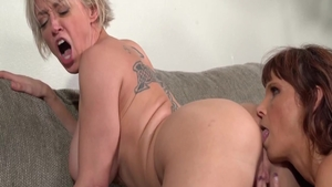 Raw fucking with large boobs Syren De Mer Dee Williams