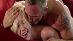 Sloppy fucking between skinny Samantha Rone
