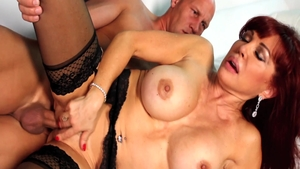 Dirty MILF Sexy Vanessa gets a buzz out of hardcore sex