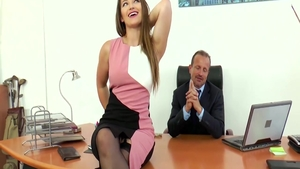 Pornstar Dani Daniels seduced in office