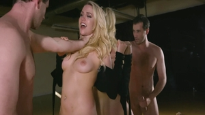 Babe Mia Malkova in tandem with James Deen seduced