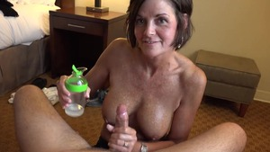 Receiving facial cum loads escorted by tanned amateur