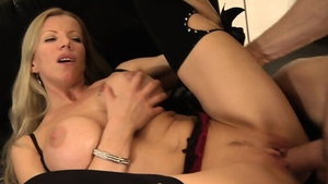 Pussy sex escorted by big tits blonde