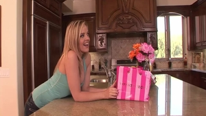 Awesome Alexis Texas cumshot fun with toys