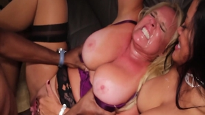 Hard slamming in the company of stepmom Maxine X