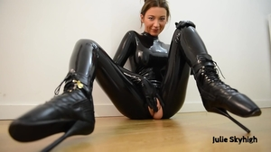 Female feels like slamming hard wearing latex in HD