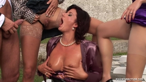 Mature helps with fetish pussy fucking outdoors in HD