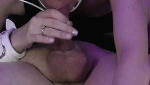 Loud sex amateur in collar