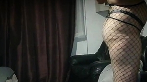 Squirts in company with young romanian brunette