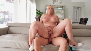 Big boobs blonde babe sucking dick HD