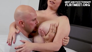Squirt accompanied by super hot pawg