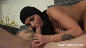 Arab Daphne Klyde fucked anal