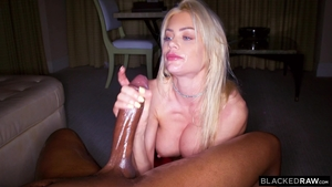 Hawt blonde babe Riley Steele agrees to hard nailining in HD