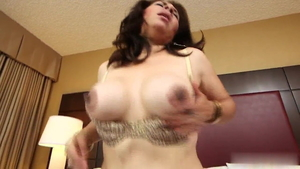 Latina brunette fetish sucking cock