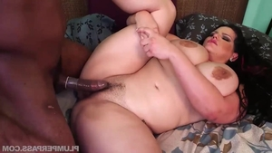 Blowjob accompanied by chubby brunette Angelina Castro