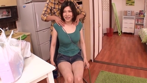Hairy japanese stepmom helps with fucking HD