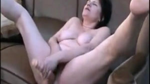 Hairy mature finds irresistible rough nailing HD
