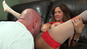 Horny hotwife facesitting in HD