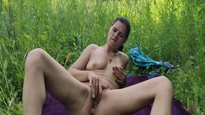 Stepsister homemade pussy fuck outdoors