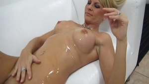 Solo czech mature riding a dick at the castings