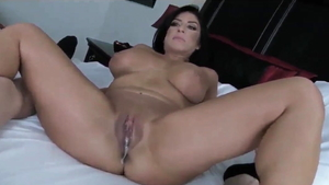 Young american MILF homemade good fuck in the bed