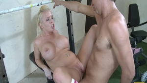 Hard nailining in the company of athletic MILF