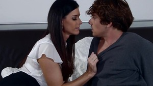 Hardcore sex escorted by young Arab mature India Summer